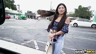 Video of nice ass amateur Binky Beaz having sex with a stranger